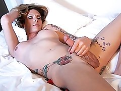 Pretty Morgan jerking on the rose bed