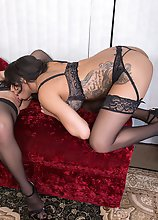Mistress Jasmine had a fantasy. That was to have a 3some with a well built guy and a super hot tgirl. So just before Christmas, Miss Jasmine flew into