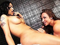 Busty Foxxy blowed & fucked by a hot babe