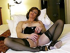 MILF Jasmine Jewels playing with her juicy dick