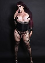 Fetish Voluptuous Tranny in Fishnets covered in Blood