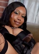 Delicious Ebony Jade Posing Her Fat Cock