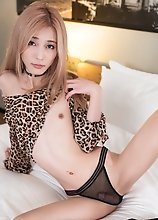 Skinny japanese shemale Chulin Nakazawa in black lingerie
